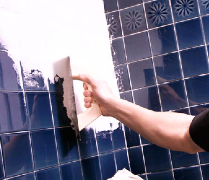 Renovar los azulejos del ba o y cocina sin obras for Como quitar las manchas del piso del bano