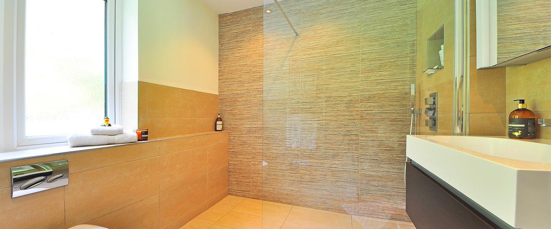 Renovar los azulejos del ba o y cocina sin obras - Paredes de cocina sin azulejos ...
