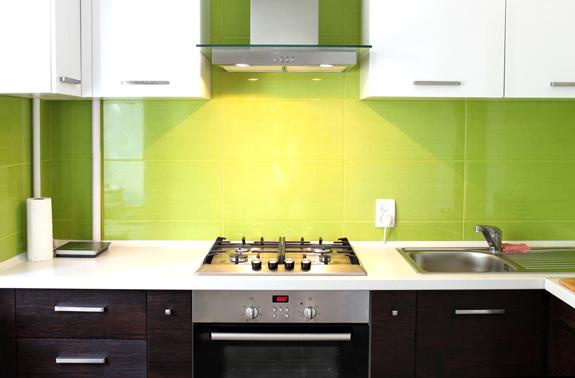Ideas para pintar los azulejos del ba o y la cocina for Como poner baldosas en pared