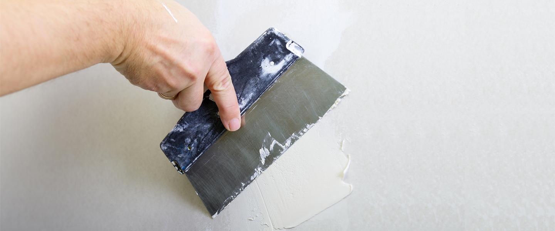 Arregla desperfectos en la pared de forma rápida