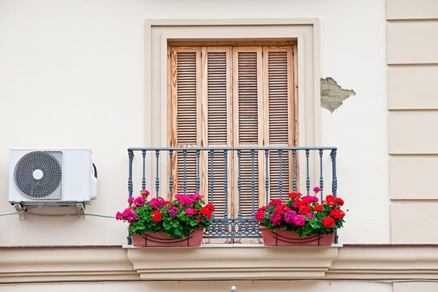 Reparar desconchones en la fachada