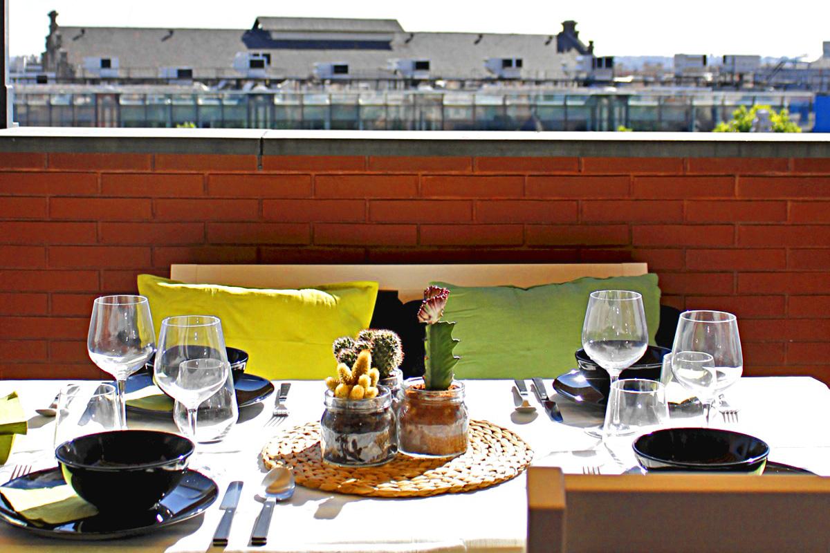 3 claves para decorar la terraza bricopared beissier for Conjunto terraza ikea
