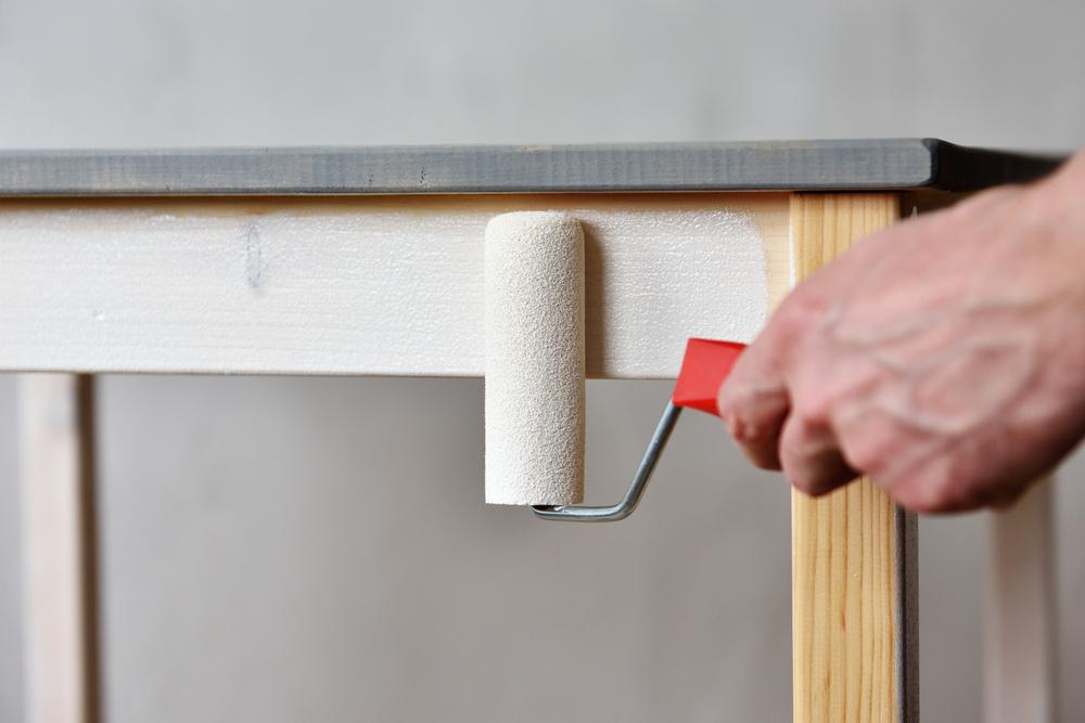 Cómo emplastecer y sellar madera