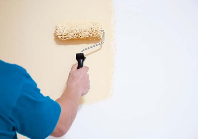 ¿Se puede pintar encima de una pintura anticondensación?