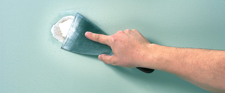 Reparar grandes agujeros con Aguaplast Rellenos