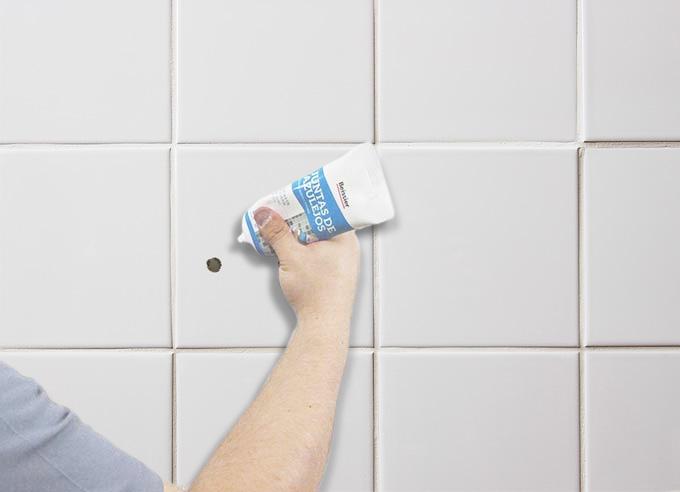 Tapar agujeros de tacos en azulejo bricopared beissier - Tapar azulejos cocina ...