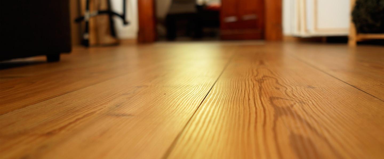 Sellar fisuras en suelos laminados