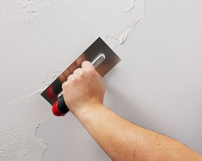 ¿Cuál es la manera más sencilla de rasear una pared?