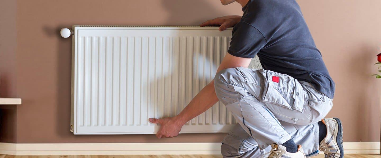 Desmontar los radiadores para pintar detrás o aislar la zona