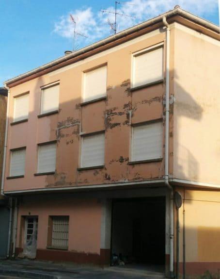 fachada antes de la reparacion total