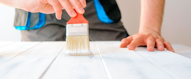 Pintar dejando la veta de la madera a la vista
