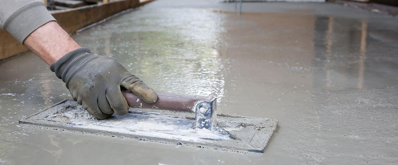 Construye una pequeña peana para colocar una piscina desmontable