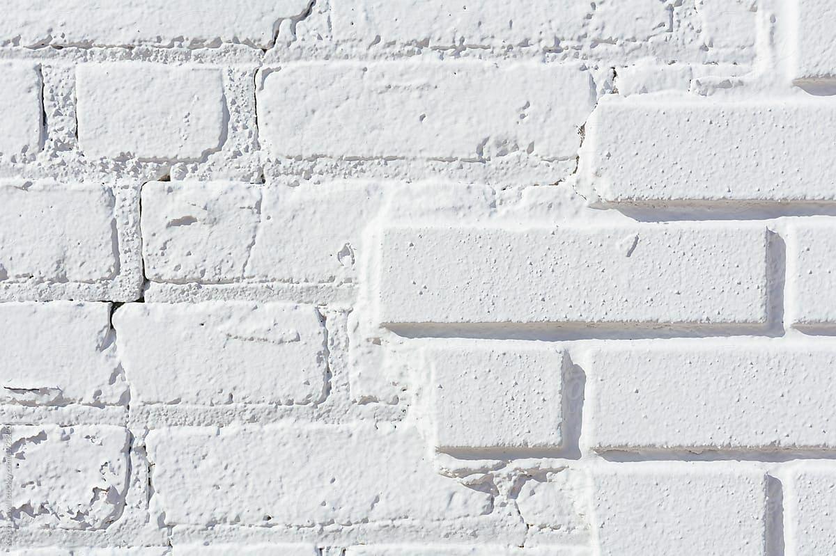 Pintar un muro de ladrillo viejo