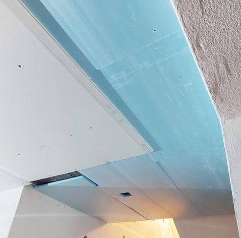 aislante en techo de pladur
